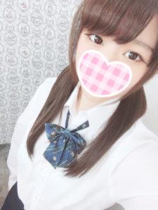 ちかな(2001年生まれJK中退年齢18歳)🎀